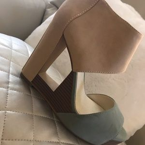 New BCBG wedge shoes